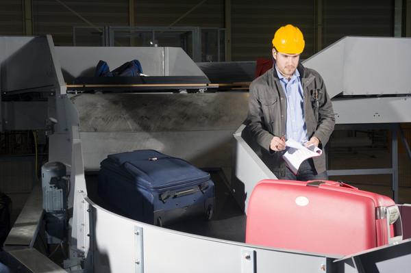 飞机托运行李损坏
