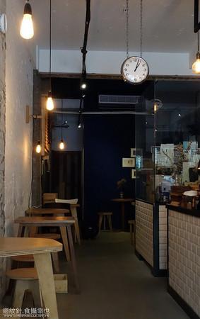 stone espresso bar店里的确漫著店家自诩的北欧风格:白色的柜台图片