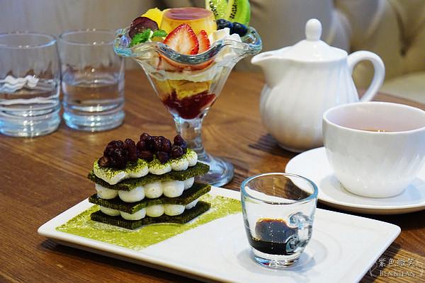 jojo阿帕茶-黑蜜抹茶提拉米苏年轮   这道顾名思义就是红豆、年轮、抹茶~~的组合