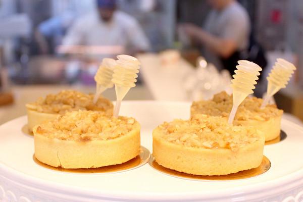 台北法式缤纷创意甜点!限量送巧克力戚风蛋糕棒棒糖