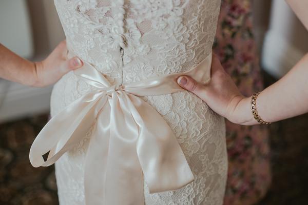 谁说结婚要花大钱!小型婚礼5优势正夯...$拿去度蜜月啦~