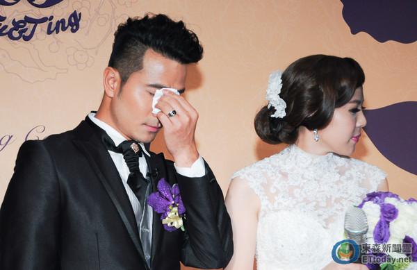 郭彦甫婚宴撒百万 结婚最重要的是:给新娘永远的回忆