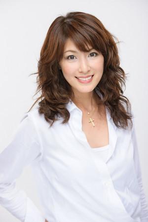 46岁美魔女山田佳子出写真集