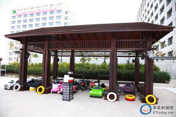 不仅室内设计儿童游戏空间「游戏转角」外,还有室外的「奇趣操场