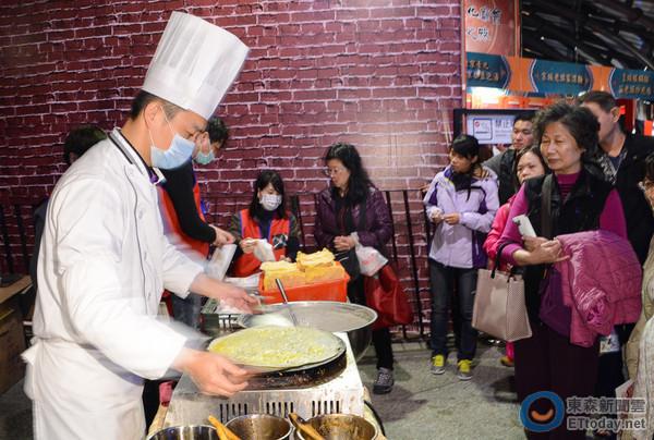 摊位,有北京小吃