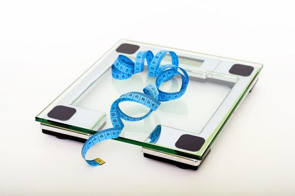 為什麼生理期前體重會變重?