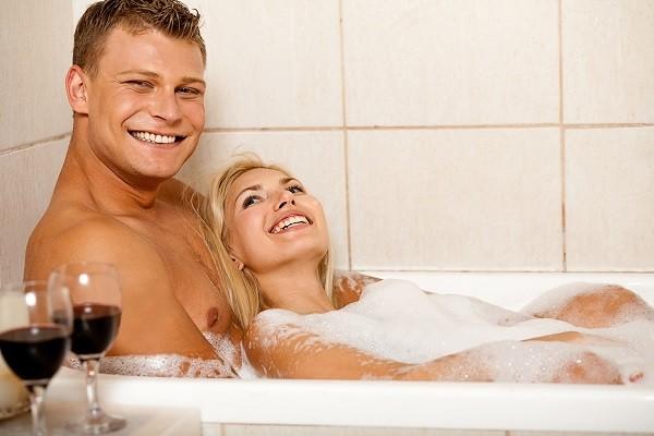 共用浴缸也可能會增加相互感染「陰道滴蟲」的風險。