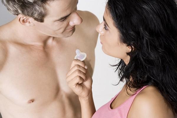 性行為時使用保險套能有效降低感染「滴蟲性陰道炎」的風險。