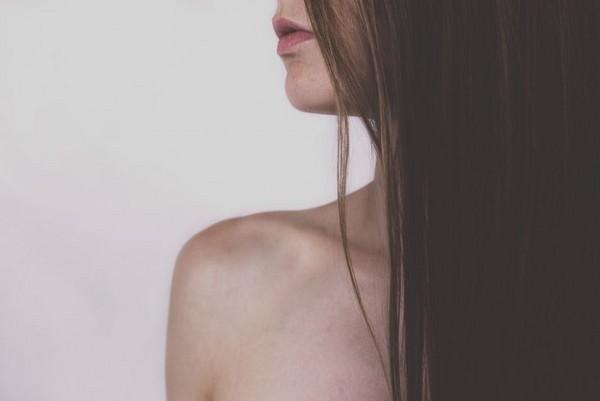 冰敷頸部、鎖骨部位能促進脂肪燃燒。