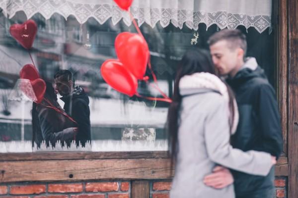 情侶,戀愛,交往,愛情。(圖/取自LibreStock網站)