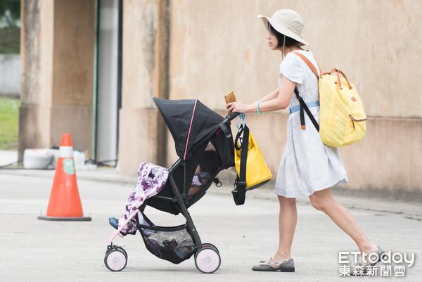 娃娃車,推車,嬰兒車,小孩,幼童,家長,家庭教育,親子教育,幼兒(圖/記者季相儒攝)