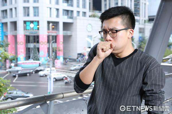 咳嗽,風寒,感冒,肺結核,空氣汙染(圖/記者李鍾泉攝)