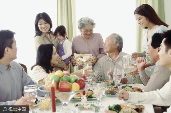 ▲過年,團圓,拜訪,親戚,年夜飯,拜年,新年,慶祝,吃飯示意圖。(圖/CFP)