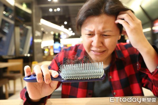 掉髮,落髮。(圖/《ETtoday新聞雲》示意圖)