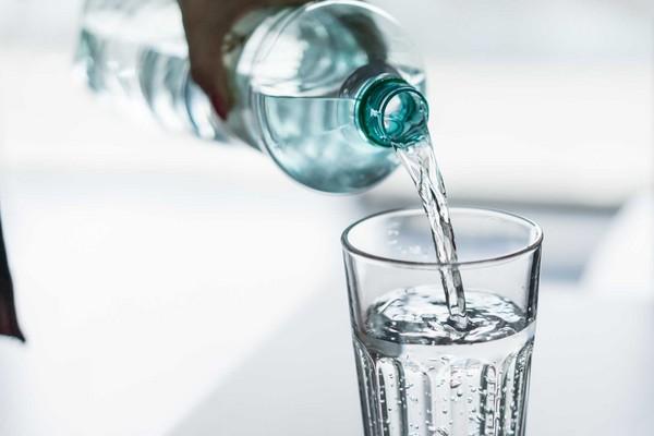▲蒸餾水,純水,寶特瓶,瓶裝水,奶瓶。(圖/翻攝自pixabay)