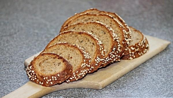 ▲麵包,全麥吐司。(圖/取自免費圖庫Pixabay)