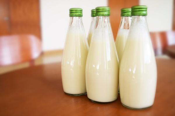 ▲鮮奶,鮮乳,牛奶。(圖/取字免費圖庫Pixabay)