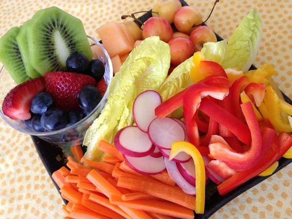 ▲沙拉,水果。(圖/取自免費圖庫pixabay)