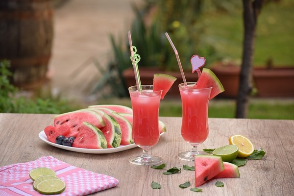 ▲西瓜,西瓜汁,切片西瓜,果汁。(圖/取自免費圖庫Pixabay)