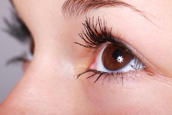 ▲眼睛,瞳孔,眼球,靈魂之窗,睫毛,女生。(圖/取自Pixabay)