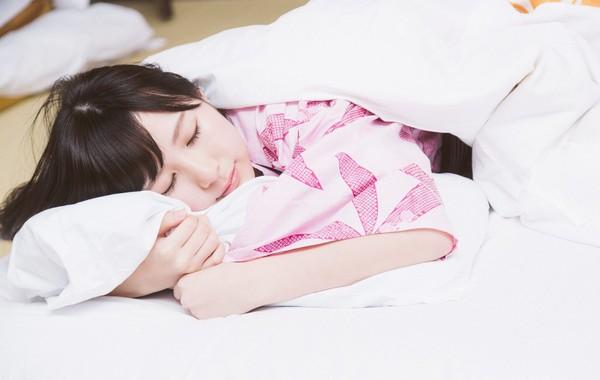 睡覺,正妹,天使容顏,住宿(圖/免費圖庫pakutaso)