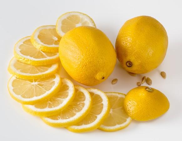 ▲▼檸檬,美白,檸檬汁,檸檬水,飲料,果汁。(圖/翻攝自pixabay)