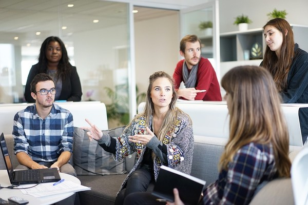 ▲工作,職場,開會。(圖/取自免費圖庫Pixabay)