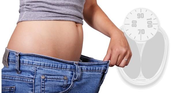 ▲減肥,牛仔褲,腰圍,體重機。(圖/取自免費圖庫Pixabay)