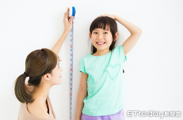 孩子一年長不到4公分,可能是生長警訊。(圖/公關提供)