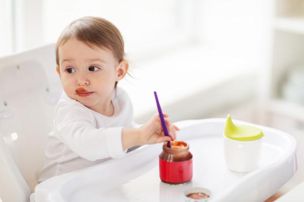 吃手恐染腸病毒!口腔「遍佈水泡」劇痛…醫曝4方法:吃布丁能緩解