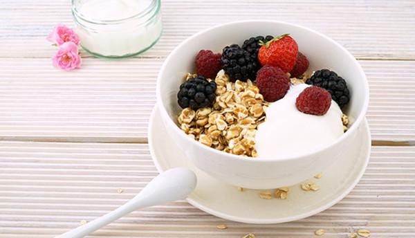 早餐致肥陷阱注意 喝即食燕麥片一杯等同吃下一碗半的飯