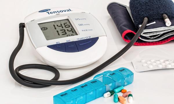 ▲醫師指出,無醫療研究及樣本數指出「吃維他命C可以預防主動脈剝離」。(圖/翻攝自pixabay)